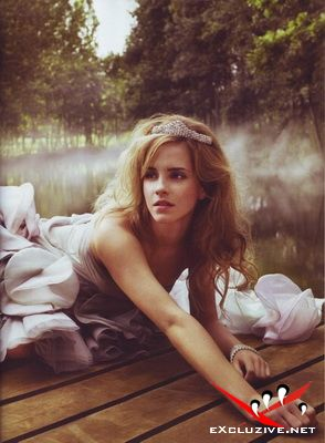 Emma Watson (Vogue 09 2008 / Italy)