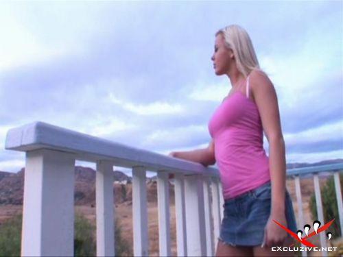 Секс на вилле с роскошной блондинкой