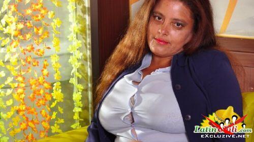 Rosaly - Hot latina mom with big boobs (2019/FullHD)